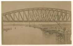 X-57 Spoorbrug over de Koningshaven, vanaf het water.