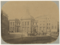 XIV-36 Het Beursgebouw aan het Beursplein, gezien uit het noordoosten. Rechts het Westnieuwland en links op de ...