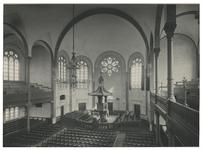 XVIII-196-00-01-2 Interieur van de Wilhelminakerk aan de Oranjeboomstraat.