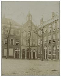 XVIII-222-2 Gereformeerde Kerk Onder het Kruis , ook wel Noorderkerk aan het Weenaplein.