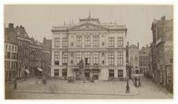XXI-31 Museum Boijmans aan het van Hogendorpsplein.
