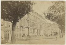 XXV-583 Zich op huizen aan de Schiedamsesingel bij de Binnenweg.