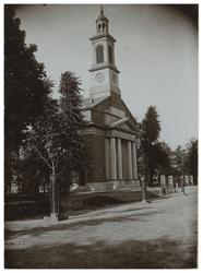 XXXI-329-1 De Nederlands Hervormde Kerk aan de Hoflaan.