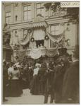 XXXIII-183-4 Koningin Wilhelmina, koningin Emma en burgemeester 's Jacob op het balkon van Museum Boymans tijdens het ...