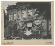 XXXIII-184-3 Koningin Wilhelmina en koningin Emma met de burgemeester van Rotterdam, Bernard Frederik 's Jacob op het ...
