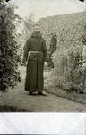 2000-1101-108 Serie van 237 fotokaarten, grotendeels vervaardigd door Louise Laboyrie, huishoudster (pastoorsmeid) bij ...