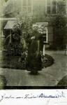 2000-1101-115 Serie van 237 fotokaarten, grotendeels vervaardigd door Louise Laboyrie, huishoudster (pastoorsmeid) bij ...