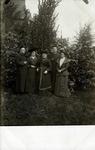 2000-1101-119 Serie van 237 fotokaarten, grotendeels vervaardigd door Louise Laboyrie, huishoudster (pastoorsmeid) bij ...