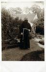 2000-1101-126 Serie van 237 fotokaarten, grotendeels vervaardigd door Louise Laboyrie, huishoudster (pastoorsmeid) bij ...