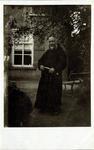 2000-1101-127 Serie van 237 fotokaarten, grotendeels vervaardigd door Louise Laboyrie, huishoudster (pastoorsmeid) bij ...
