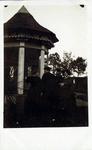 2000-1101-141 Serie van 237 fotokaarten, grotendeels vervaardigd door Louise Laboyrie, huishoudster (pastoorsmeid) bij ...