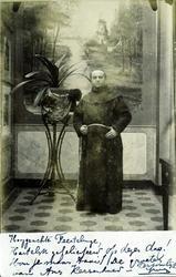 2000-1101-147 Serie van 237 fotokaarten, grotendeels vervaardigd door Louise Laboyrie, huishoudster (pastoorsmeid) bij ...