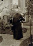 2000-1101-161 Serie van 237 fotokaarten, grotendeels vervaardigd door Louise Laboyrie, huishoudster (pastoorsmeid) bij ...