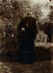 2000-1101-166 Serie van 237 fotokaarten, grotendeels vervaardigd door Louise Laboyrie, huishoudster (pastoorsmeid) bij ...