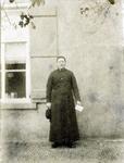 2000-1101-29 Serie van 237 fotokaarten, grotendeels vervaardigd door Louise Laboyrie, huishoudster (pastoorsmeid) bij ...