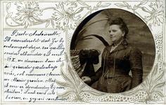 2000-1101-3 Serie van 237 fotokaarten, grotendeels vervaardigd door Louise Laboyrie, huishoudster (pastoorsmeid) bij ...