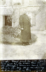 2000-1101-36 Serie van 237 fotokaarten, grotendeels vervaardigd door Louise Laboyrie, huishoudster (pastoorsmeid) bij ...