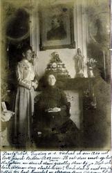 2000-1101-53 Serie van 237 fotokaarten, grotendeels vervaardigd door Louise Laboyrie, huishoudster (pastoorsmeid) bij ...