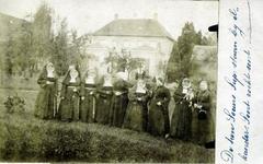 2000-1101-60 Serie van 237 fotokaarten, grotendeels vervaardigd door Louise Laboyrie, huishoudster (pastoorsmeid) bij ...