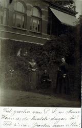 2000-1101-76 Serie van 237 fotokaarten, grotendeels vervaardigd door Louise Laboyrie, huishoudster (pastoorsmeid) bij ...