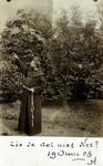 2000-1101-80 Serie van 237 fotokaarten, grotendeels vervaardigd door Louise Laboyrie, huishoudster (pastoorsmeid) bij ...