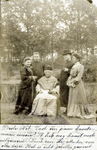 2000-1101-96 Serie van 237 fotokaarten, grotendeels vervaardigd door Louise Laboyrie, huishoudster (pastoorsmeid) bij ...