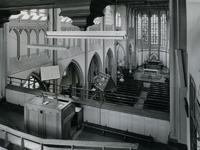 1967-88 Interieur van de kerk van de Allerheiligste Verlosser aan de Goudse Rijweg.