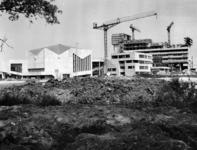 1968-1099 Het gebouwencomplex van de Nederlandse Economische Hogeschool aan de Burgemeester Oudlaan uit het zuidoosten.