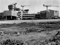 1968-1100 Bouw van de Nederlandse Economische Hogeschool aan de Burgemeester Oudlaan.