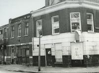 1968-1823-TM-1828 Meermanstraat 6 opnamenAfgebeeld van boven naar beneden:-1823: afbraakhuizen met de nummers 15-17; ...