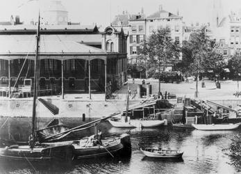 1968-231 De Zeevischmarkt aan de Blaak.