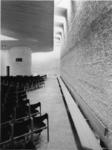 1968-2834 De rechterkant van de kerkzaal in de Nederlandse Hervormde Immanuelkerk aan de Berlagestraat.