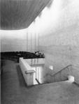 1968-2836 Linker uitgang van de kerkzaal in de Nederlandse Hervormde Immanuelkerk aan de Berlagestraat.