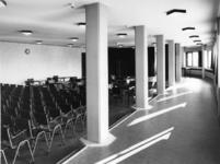 1968-2842 De Nederlandse Hervormde Immanuelkerk aan de Berlagestraat.
