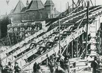 1968-3203 De bouw van de tribunes van het Sparta-stadion aan de Spartastraat.