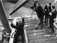 1969-1024 Een opname voor de Duitse televisie van de herbouw van de molen 'De Ster' aan de Plaszoom.