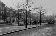 1970-1178 Ophogen van het wegdek van de Goudsesingel.
