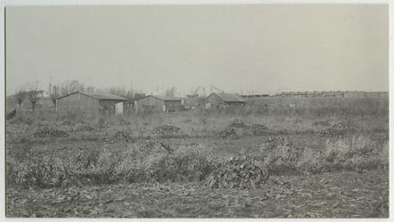 1970-1780 Woonketen bij de Waalhaven, en aansluiting van de tijdelijke nieuwe dijk ter hoogte van latere pier2, tot aan ...