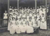 1970-2493-TM-2499 Het Coolsingelziekenhuis.Van boven naar beneden afgebeeld:- 2493: Verpleegsters, met in het midden ...