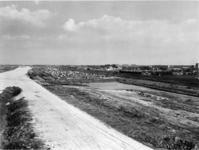 1971-1949 De Rijksweg 20 in aanbouw. Rechts de spoorlijn Rotterdam/Utrecht, nabij de kruising met de Rijksweg 16.