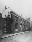 1971-216 Poort van het Oude Vrouwenhuis aan de Hoogstraat.