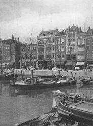 1971-35 De Blaak en Noordblaak, met o.a. de panden van warenhuis Meijer en Blessing en Heck's City Lunchroom.