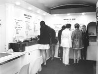 1972-2054 Vacaturebureau Informatie voor de Werkende Vrouw in een C '70 paviljoen aan de Coolsingel.