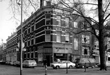 1973-791 Huizen nummers 252 en 254 aan de oostzijde van de Heemraadssingel hoek van de Volmarijnstraat.