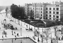 1975-1714 Het Coolsingelziekenhuis, gezien vanaf molen de Hoop.Op de achtergrond links de Schiedamsesingel.