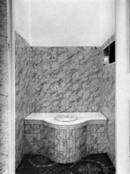 1975-546 De toilet van Kuyl's fundatie, dat niet in gebruik is aan de 's-Gravenweg.