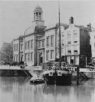 1975-761 De Beurs, op de voorgrond de Kolk.