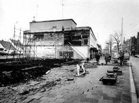 1976-31-TM-33 Noodwinkels op de Nieuwe Binnenweg. Afgebeeld van boven naar beneden:-31: Gedeeltelijk afgebroken complex ...