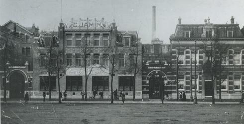 1976-351 Zuidhollandsche stoomfabriek van C. Jamin aan de Hugo de Grootstraat nummer 25.