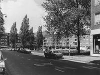 1977-1197,-1198 De Botersloot, het poffertjeshuis van Bongers aan de Meent en rechts de Pannekoekstraat.Van boven naar ...
